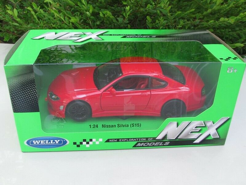 Welly 1-24 Diecast Car Model  Nissan Silvia (S15) Spec R Aero 200SX Japan Car Red