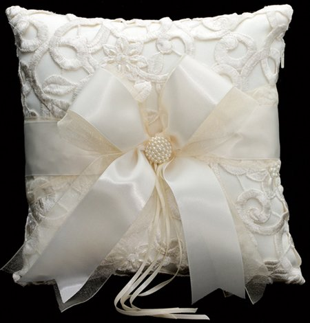 Ivory Embroidered/Bow Ring Pillow