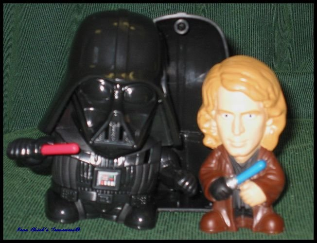 DARTH VADER ANAKIN STAR WARS Episode III Revenge of the Sith Burger King Fast Food Toy ROTS