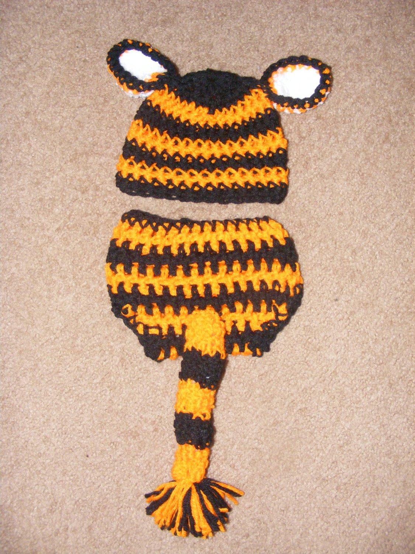 Newborn Tiger  hat  and  diaper cover  set photo prop