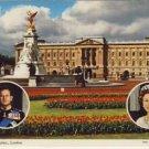 Buckingham Palace w/Queen and Duke Postcard VP-6888