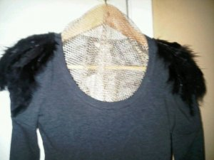 Chic Feather Tees