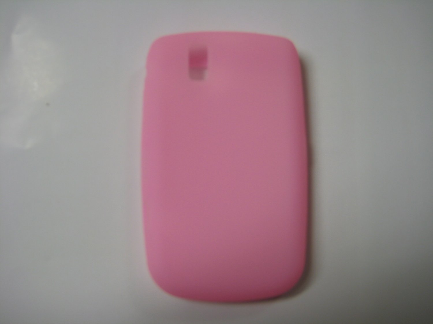 New Pink Solid Color Silicone Cover For Blackberry 9630 - (0153)