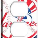 BASEBALL MLB NEW YORK YANKEES 2 HOLE OUTLET WALL PLATE