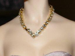 Rhinestone V Necklace, Gold