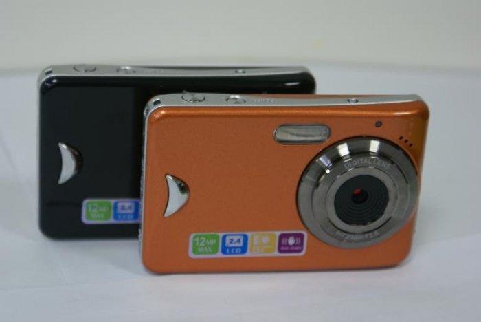 New Anti Shake DC 550 12 MP Touchscreen Digital Camera