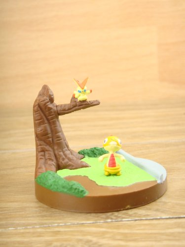Japanese Anime Nintendo Pokemon 1/40 Scale Victini Scraggy Figure