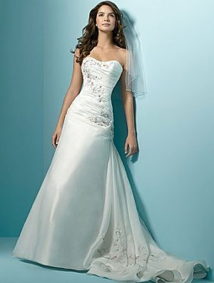 Wedding Dress 1137
