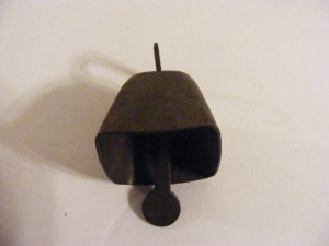 VINTAGE SMALL COW BELL