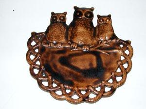 CERAMIC OWLS WALL PLAQUE HANGER