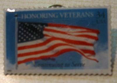 Honoring Veterans U.S. Flag stamp pin lapel pins hat tie tac 3508 s