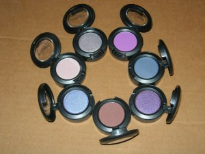 MAC eyeshadow wholesale lot 50 PCS brand new in box variety of colors just $7 per peice!!