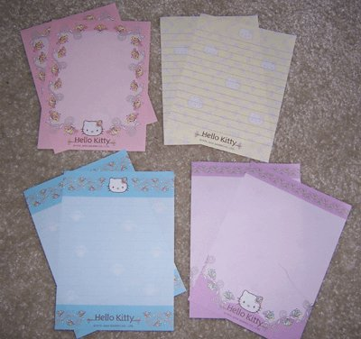 Hello Kitty Pattern Memos