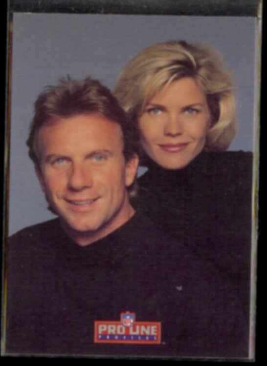 JOE MONTANA 1993 Pro Line Profiles #566 w/ Jennifer.  49ers
