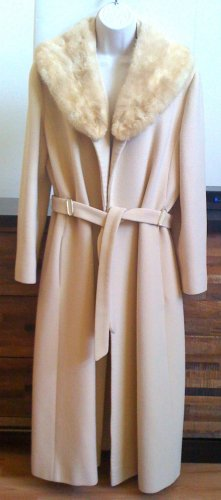 100% Cashmere with Mink Collar Coat Size S-M