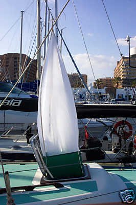 Sea-Breaze Windscoop Hatch Ventilation for Yacht or Boat.
