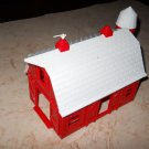 Plasticville - Red Barn With White Roof