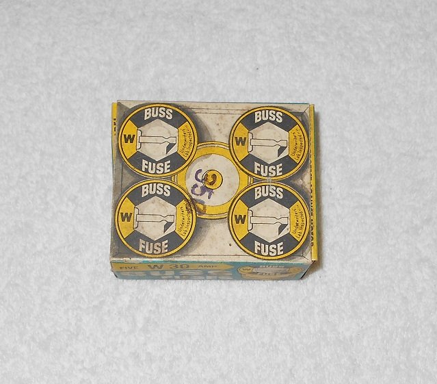 Buss - W 30 Amp Fuses - Box Only - Vintage - 1961