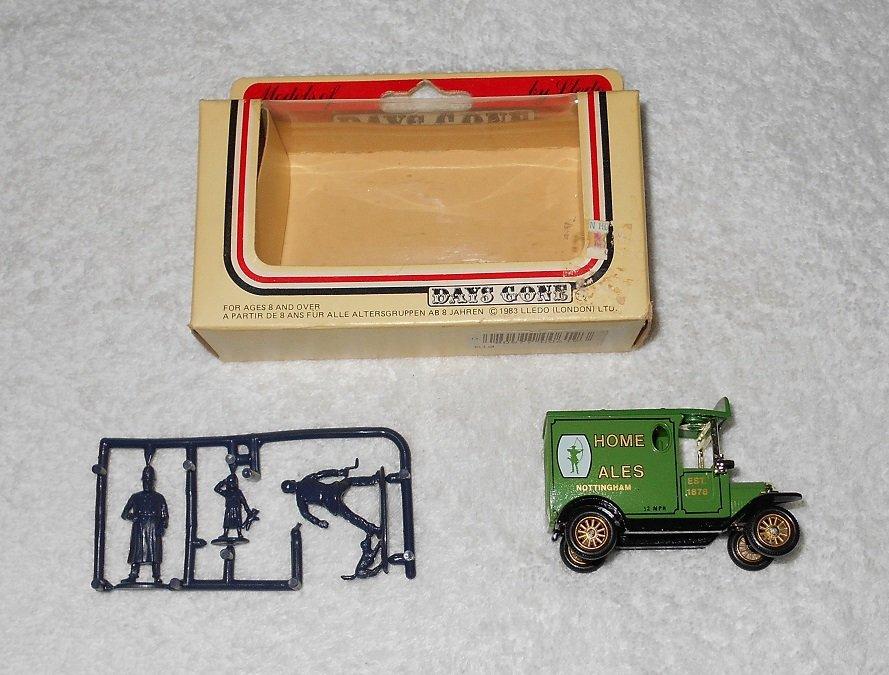 Lledo - Home Ales Truck - Green - Metal - Includes Figures & Box - 1983