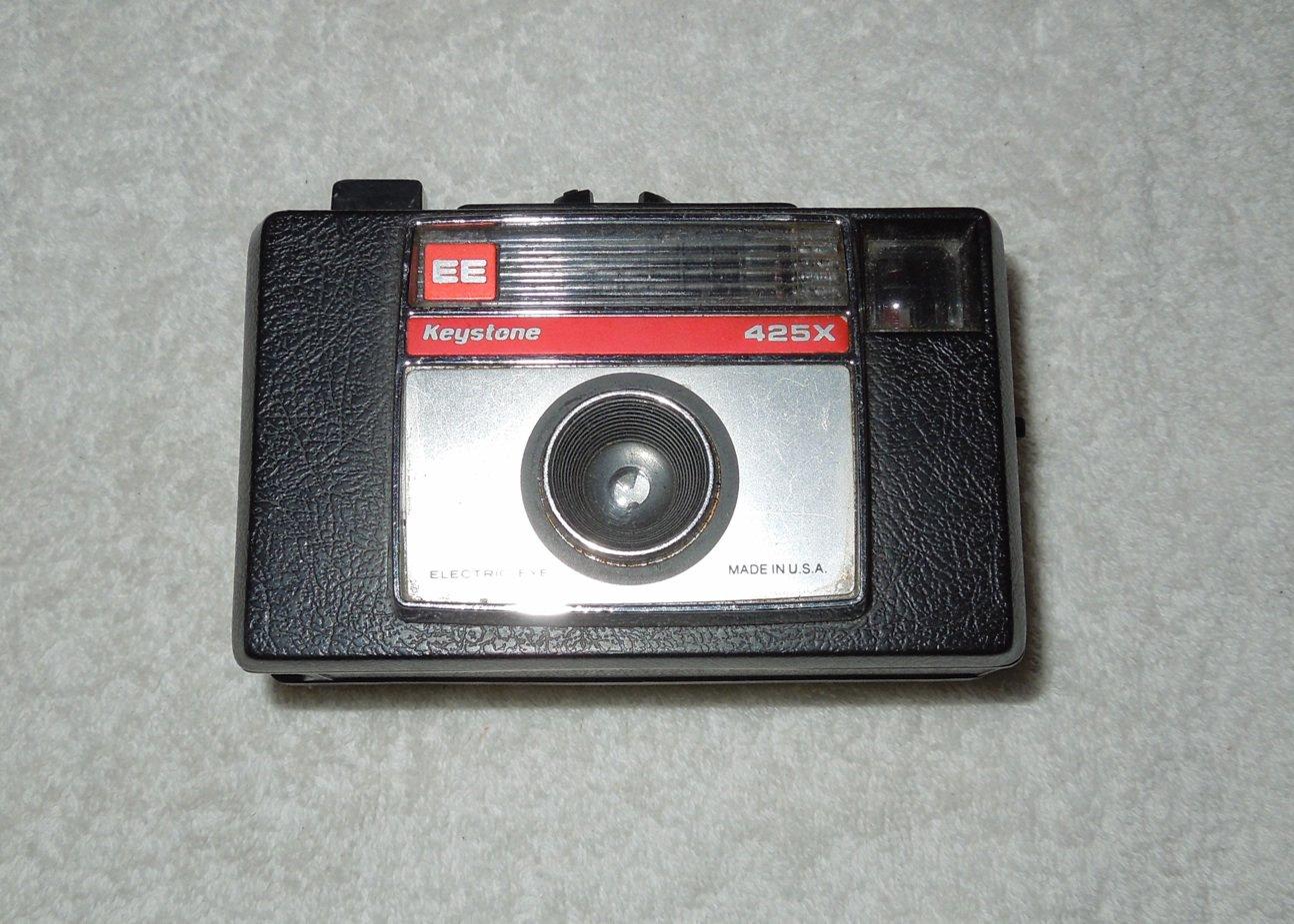 Keystone - 425X EE Electric Eye Camera - 126 Film - Needs To Be Cleaned