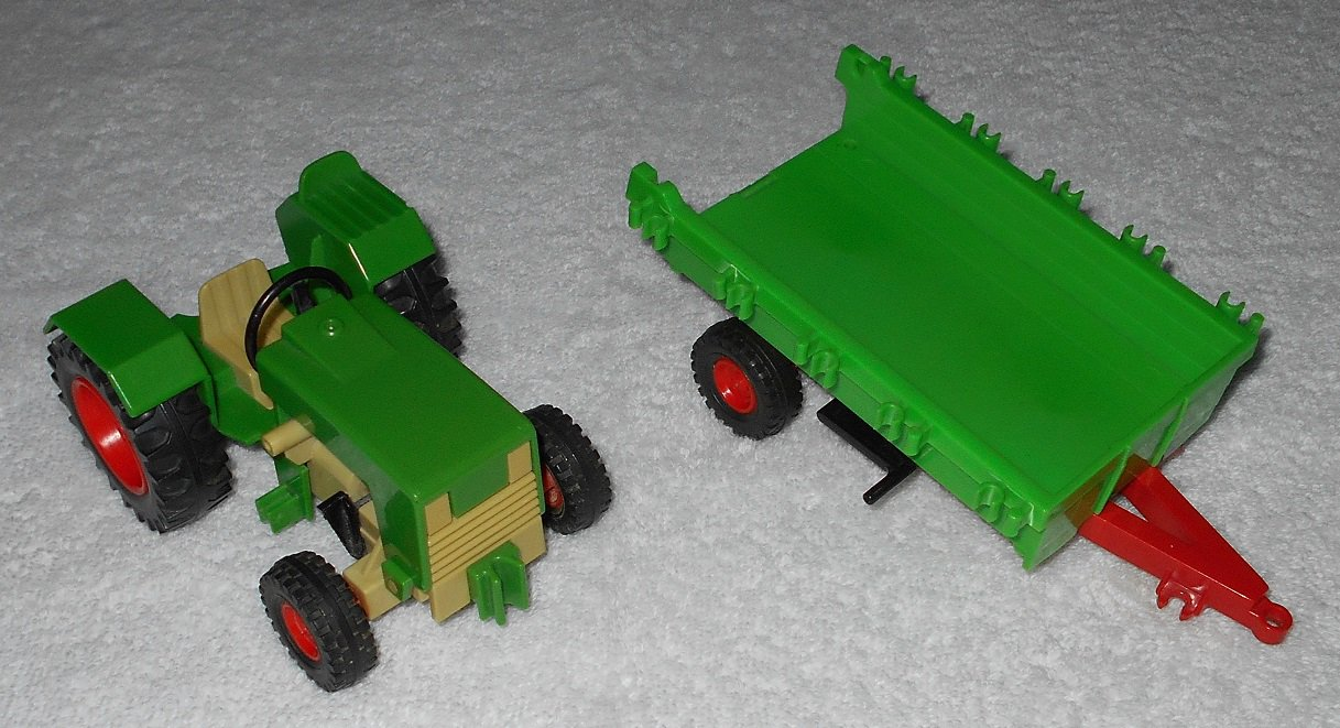 Playmobil - Farm Tractor & Trailer - Green - Vintage