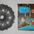 Nordic Ware - Bundt Pan w/ Original Box - Heavy Cast Aluminum - 12 Cup - Made In USA - Vintage