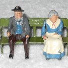 Britains Ltd - Old Man w/ Pipe & Woman Sitting On Bench - Lead - Original Paint - 017 - Vintage
