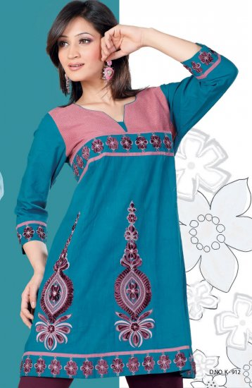 Blue cotton tunic with Scoop neck Embroidery