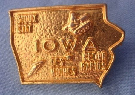 "Iowa Gold Lapel/Tie Pin ¾� x 1"" Excellent Condition Pin Fastener VINTAGE"