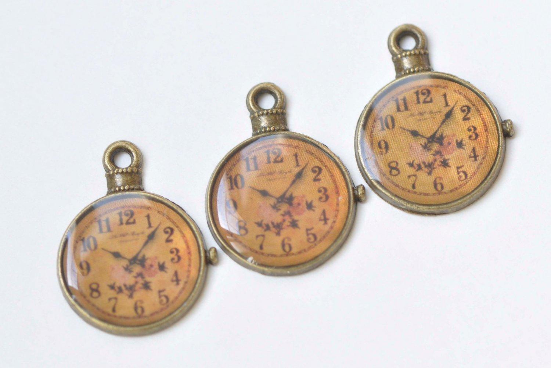 10 pcs Antique Bronze Enamel Clock Charms Size  20x25mm A7170