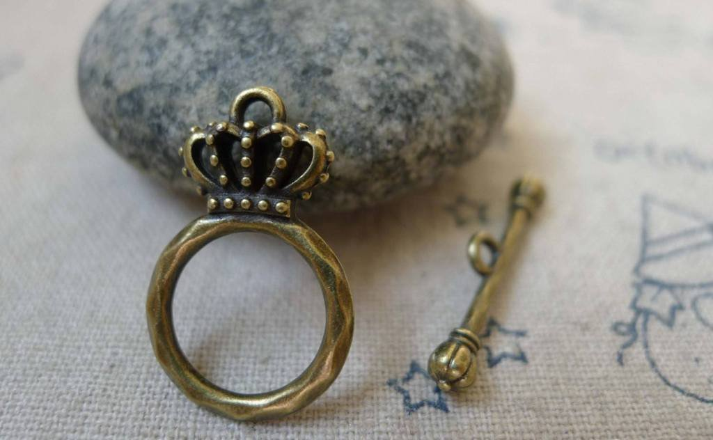 20 sets of Antique Bronze Filigree Crown Toggle Clasps A5914