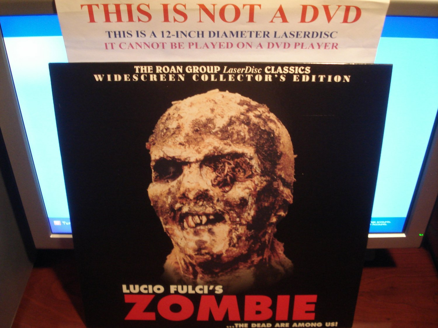 Laserdisc ZOMBIE (1979) Lucio Fulci The Roan Group LTBX Collector's Edition Classic LD