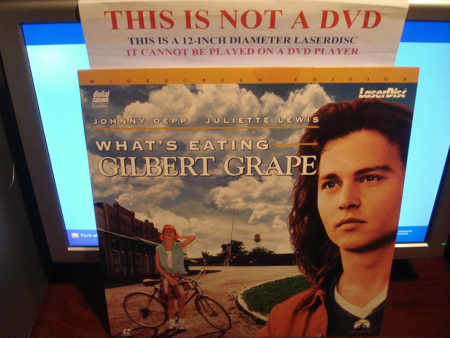 Laserdisc WHAT'S EATING GILBERT GRAPE 1993 Johnny Depp Lot#2 LTBX LD
