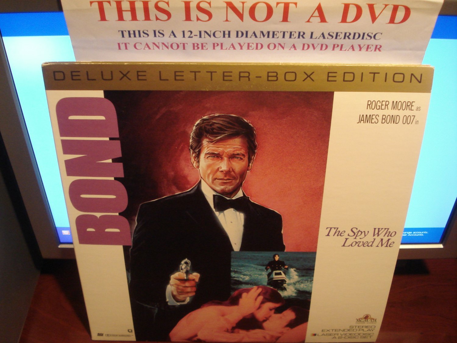 Laserdisc THE SPY WHO LOVED ME (1977) Roger Moore as James Bond 007 Lot#5 DLX LTBX LD