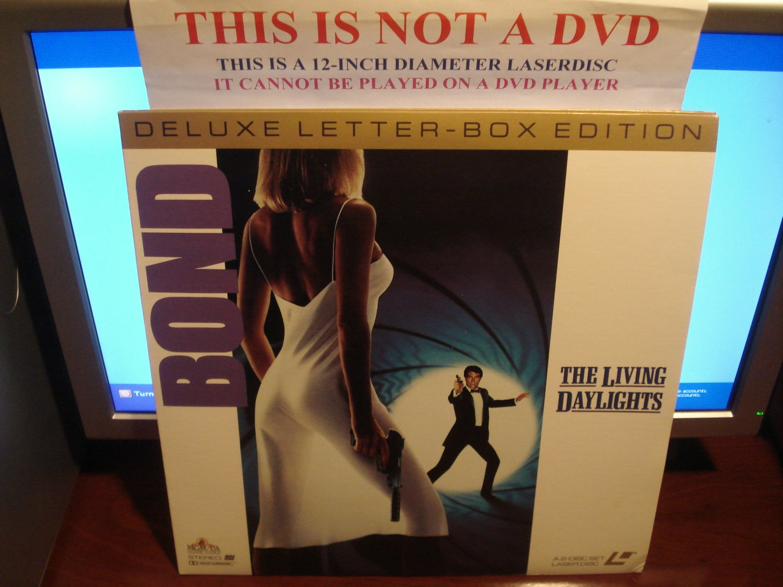 Laserdisc THE LIVING DAYLIGHTS 1987 Timothy Dalton James Bond 007 Lot#3 DLX LTBX LD