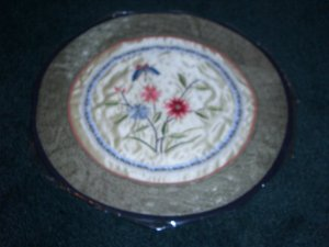Round Tapestry with butterfly & flowers   *** FREE SHIPPING ***