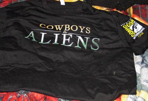 RARE 2010 Cowboys and Aliens LG SDCC COMIC CON EXCLUSIVE panel shirt +BONUS!