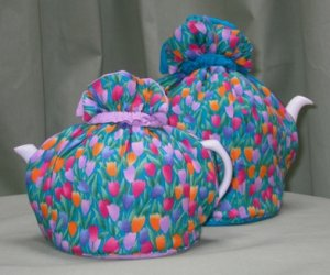 Tulip Tea Cozy Large