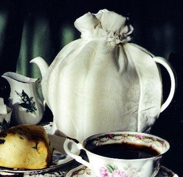 Devonshire Cream Tea Cozy Small