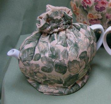 Manor Woods 3-Cup Tea Cozy