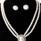 Stunning Rhinestone Pearls Necklace Earring Set Silver
