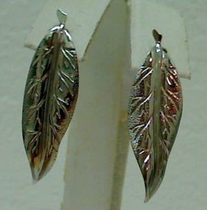 Vintage Carved Leaf Fashion Silver Earrings