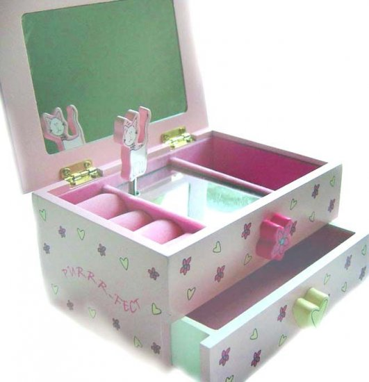"""Princess-Figurine"" Musical Jewelry Box"
