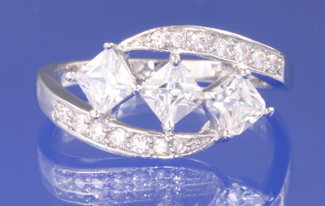 1.65ctw RUSSIAN DIAMOND ENGAGEMENT RING size M, O or P