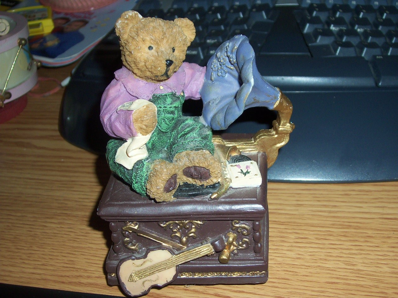Little Boy Bear Sitting on Gramophone Music Box Plays Beautiful Dreamer #400078