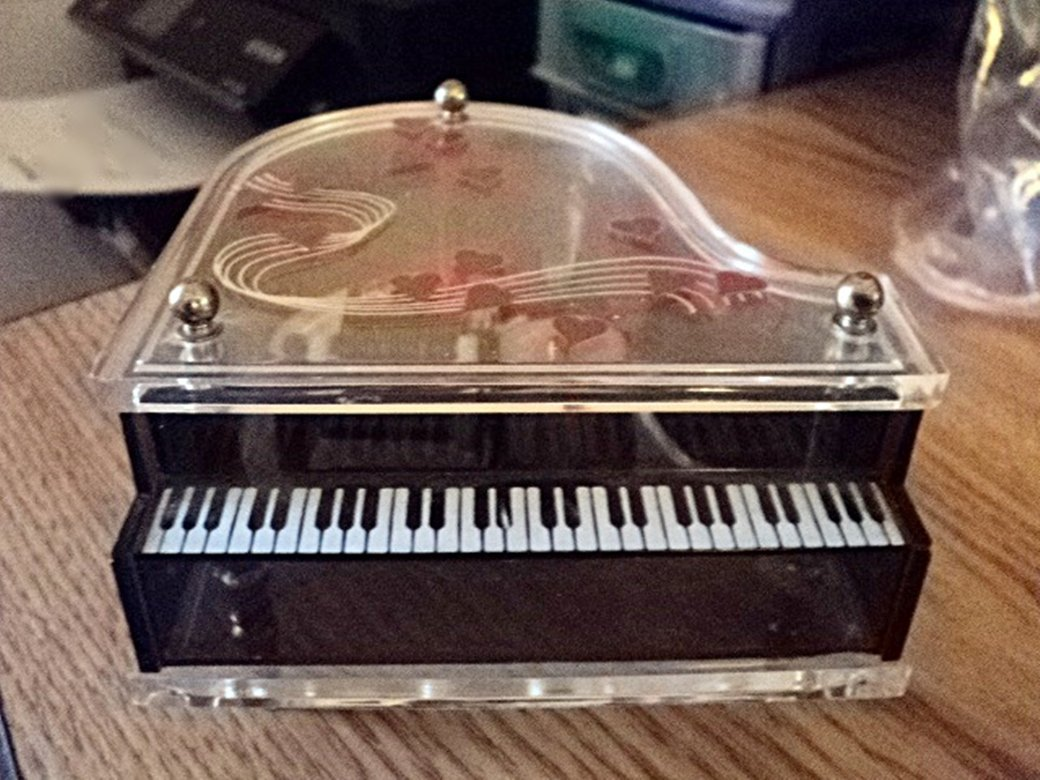 Schmid Musical Collectibles Grand Piano Music Box with Hearts on Lid  #400137