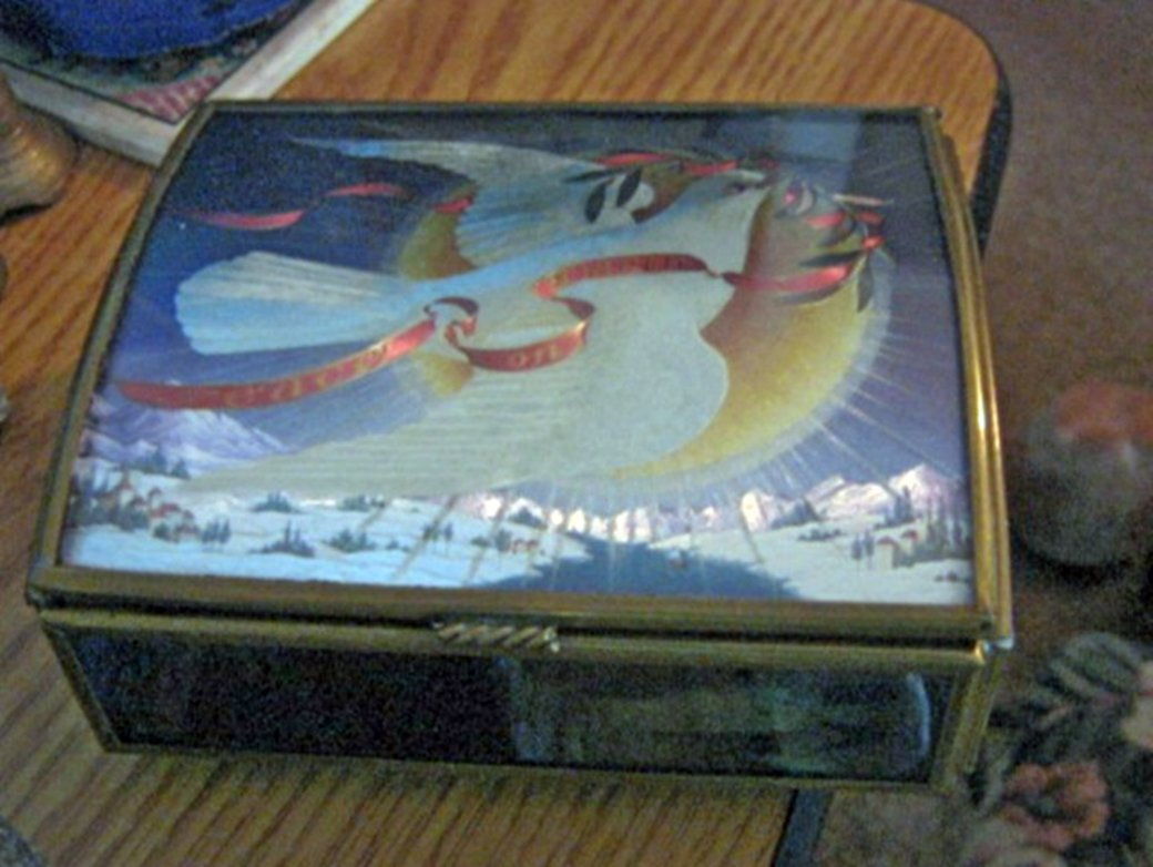 Vermont Ltd. Dove of Peace on Smoked Glass Jewelry Music Box  #400110