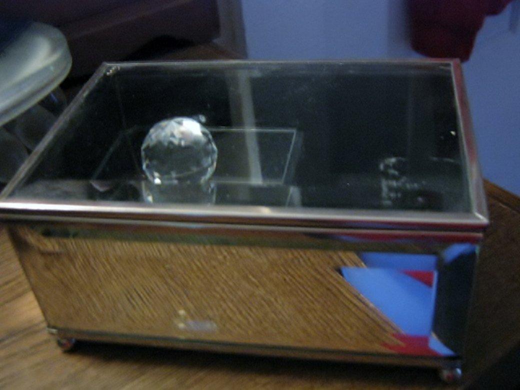 Rotating Crystal Ball Jewelry Music Box Beveled Glass #400101
