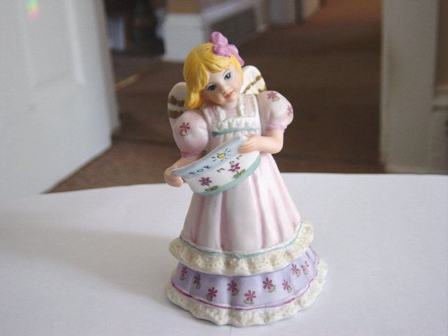 For Mom 1995 Schmid Angel Memories Little Girl Angel Music Box Plays Wind Beneath My Wings #400037