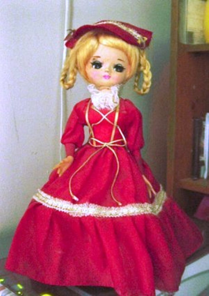Vintage Old Big Eyed Blond Girl Music Box Doll Plays The Look of Love  #400019